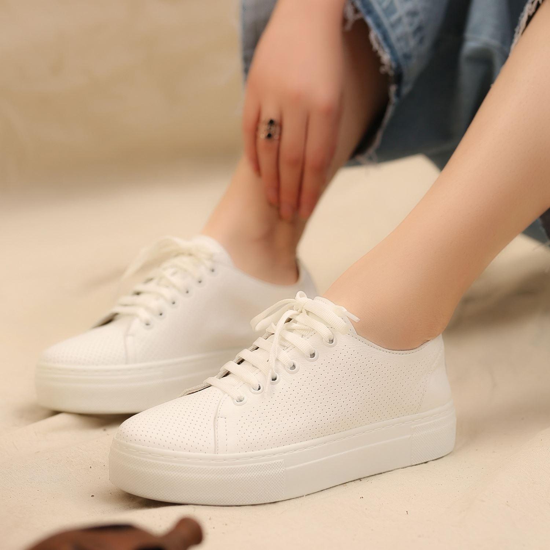 Beyaz Kalın Tabanlı Deri Kadın Sneaker